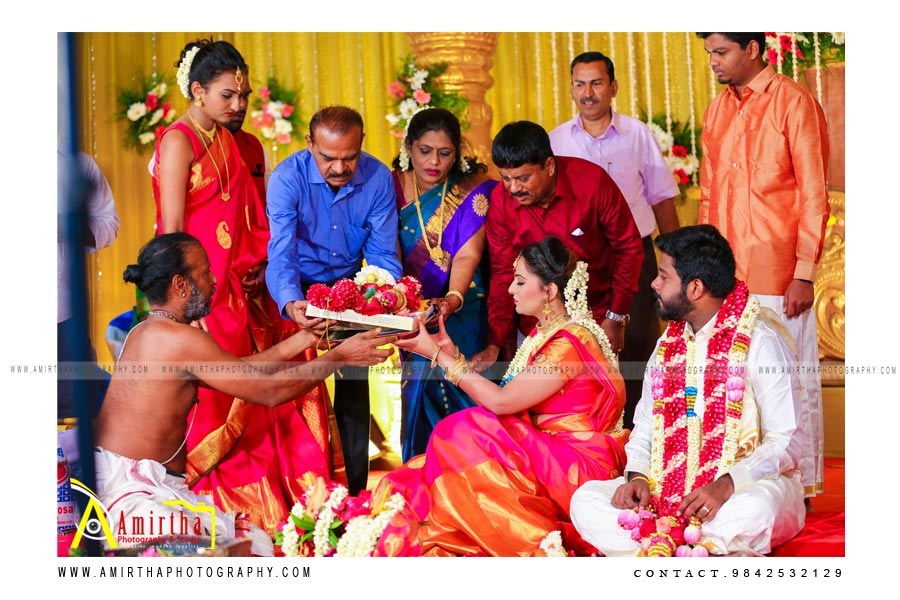 professional Sourashtra candid wedding photography in Dindigul Candid Videographers in Dindigul