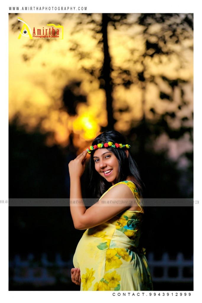 Outdoor Maternity Photography Poses in Madurai 12 (1)