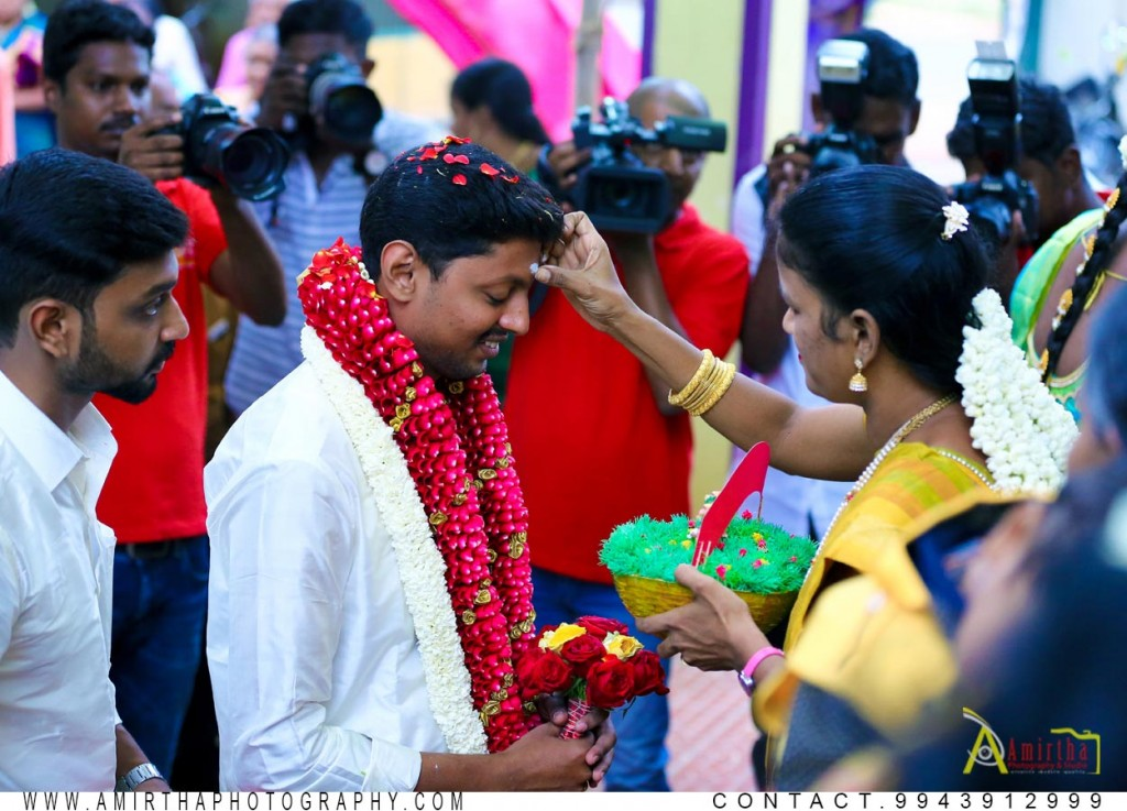 professional candid wedding photography in Madurai 7 (1)